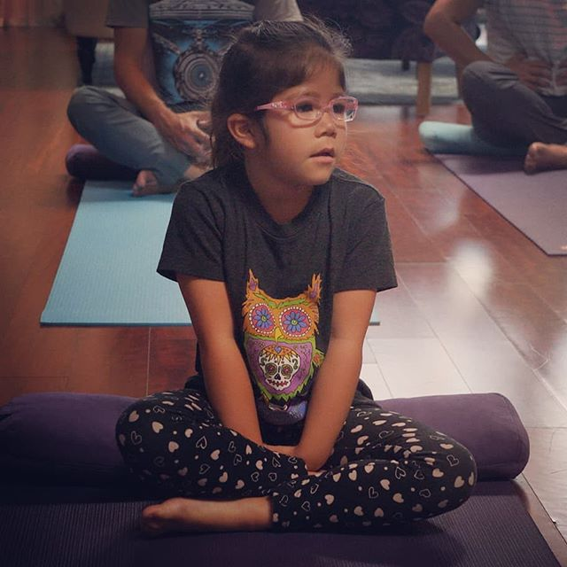 Learn to breath diaphragmatically. This is one of the main techniques we teach at #vibrasmeditation #vibras #meditation #childrensmeditation #kidsmeditation #kidsyoga #childrensyoga #yoga #love #affirmations #mindfulness #peace #motivation #inspiration #health #wisdom #energy #meditate #namaste #selflove #happiness #awakening #wellness #children #selfgrowth #meditationforkids #meditationforchildren #losangelesmeditation #meditationlosangeles
