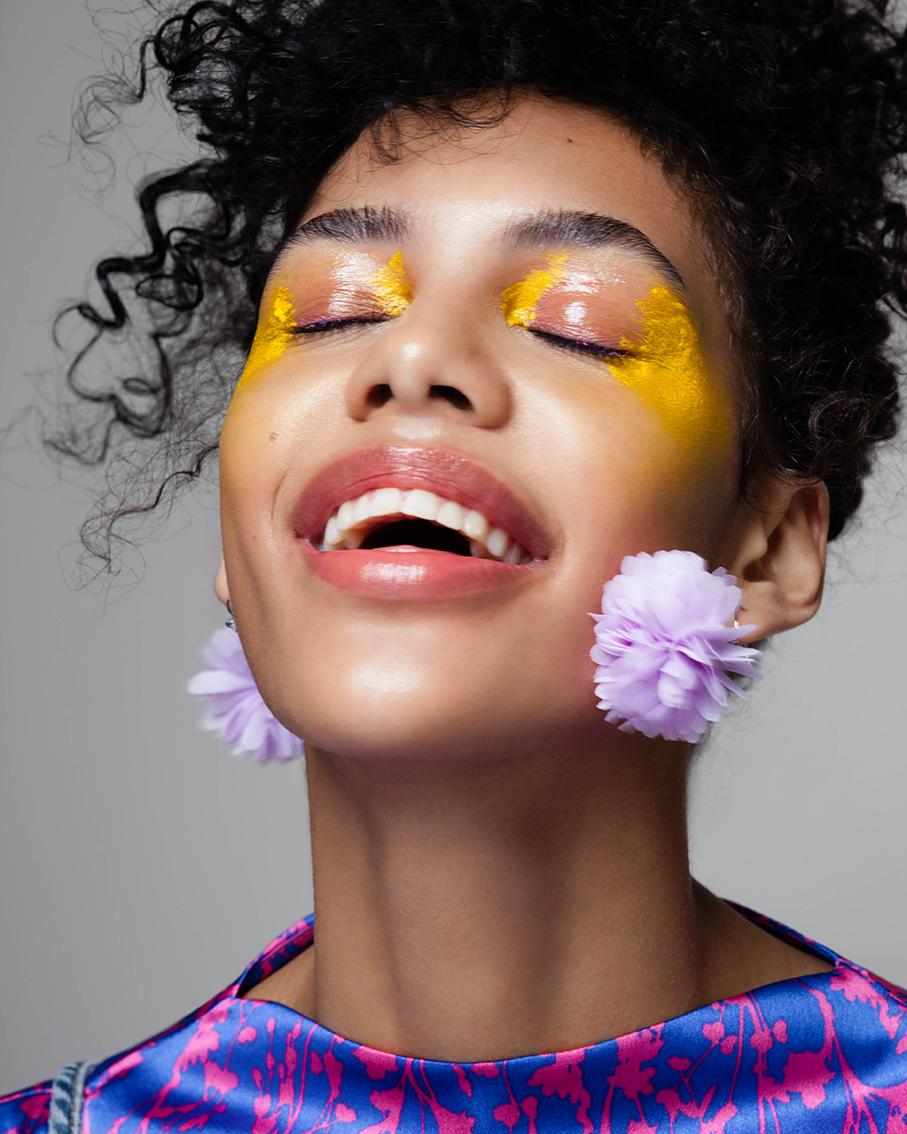 LOOK 5: - Øyne: «Nude» Eye Gloss, BOBBI BROWN.Color Cream, «M400 Yellow», MAKE-UP FOREVER.Hot Singels shadow «Pink Cloud»,NYX Lepper: Nourish Mint Renewing Lip Treatment, AVEDA