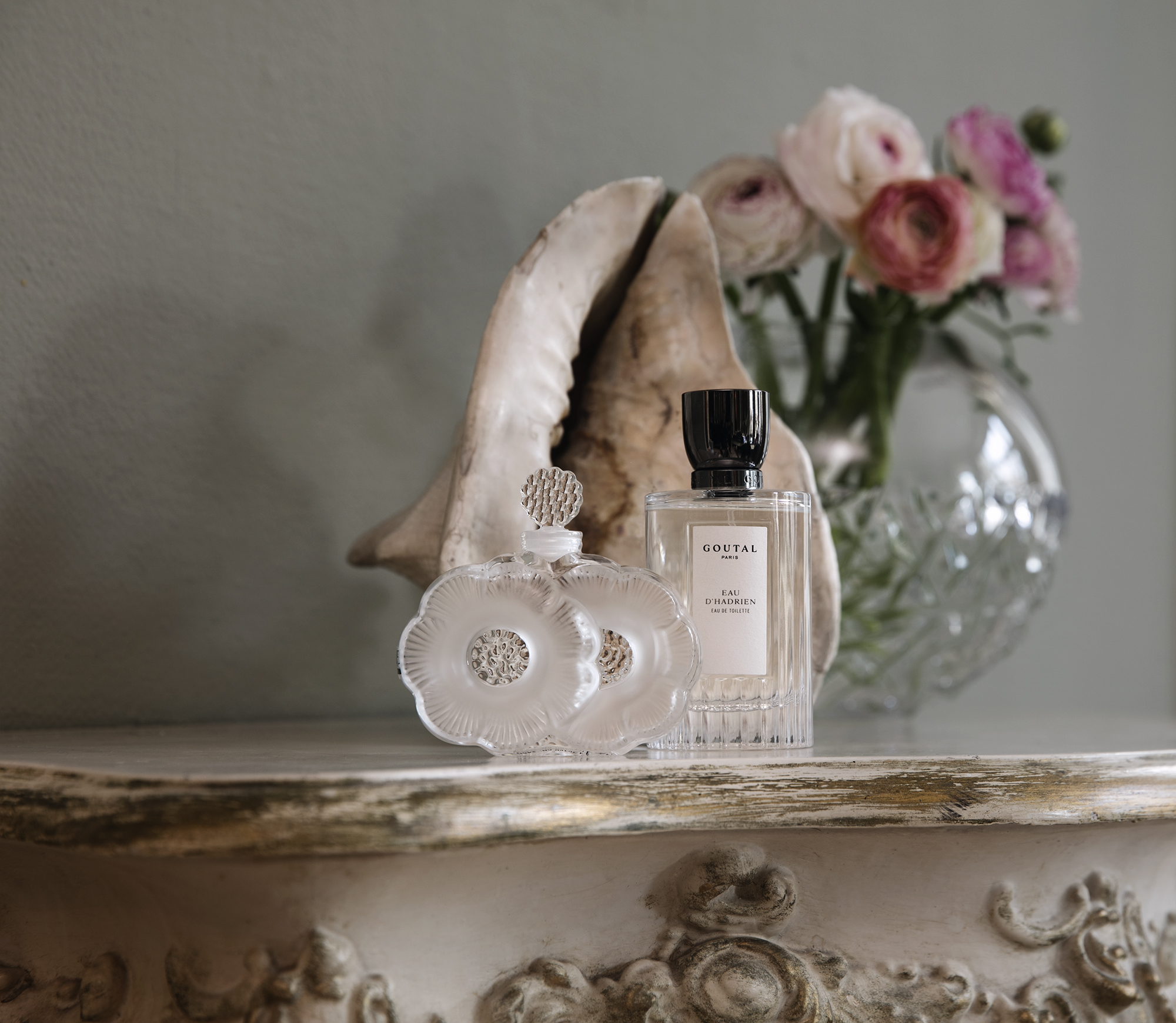 Eau d'Hadrien from Goutal Paris / Heaven Scent Vases from Lalique and Waterford / Interiør Galleriet