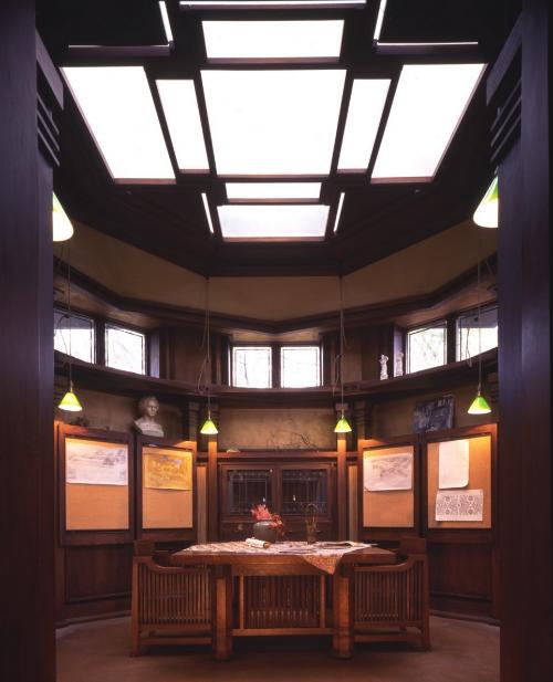 Frank Lloyd Wright Studio Library