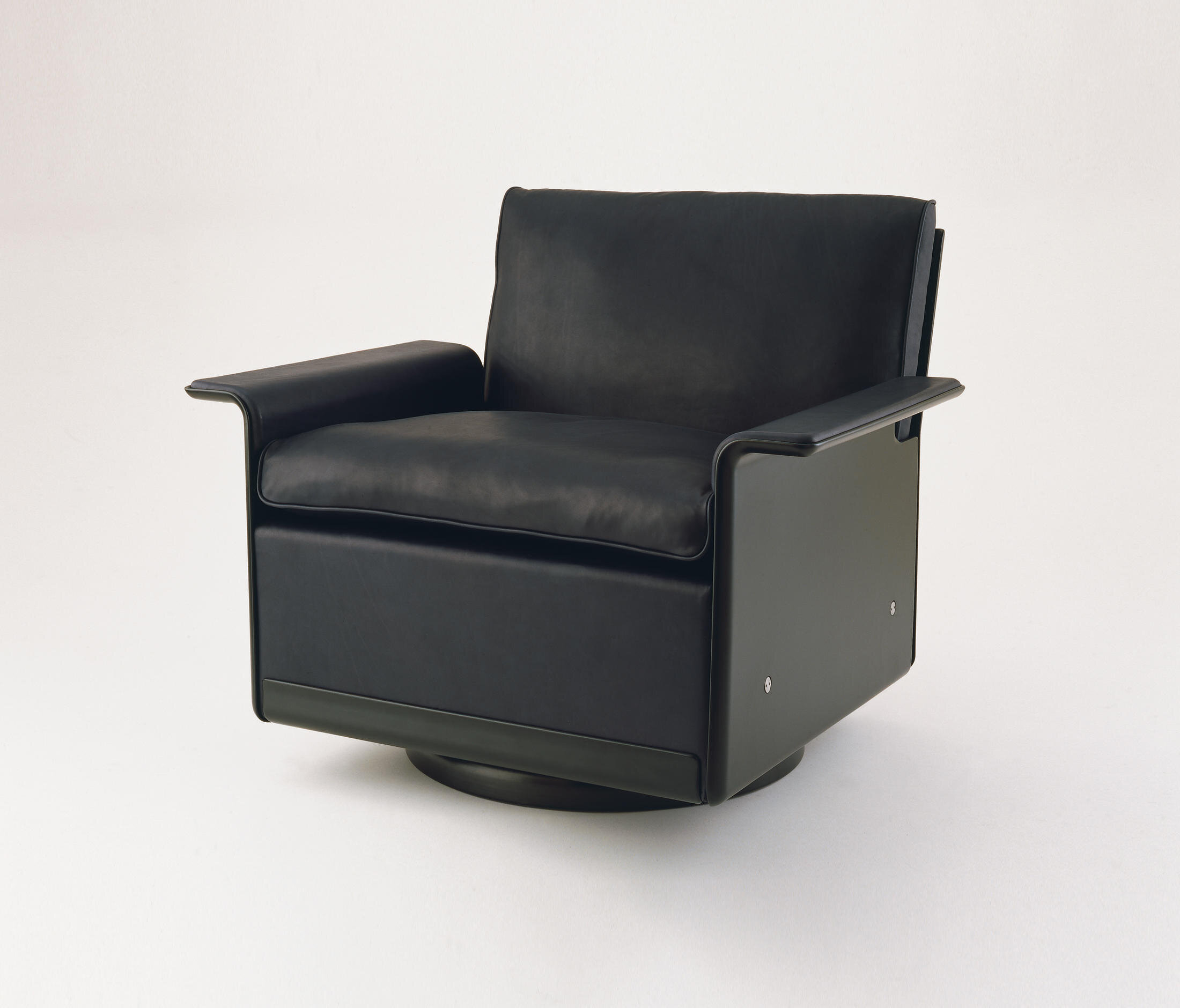 Dieter Rams 620 Chair Programme manufactured by Vitsoe