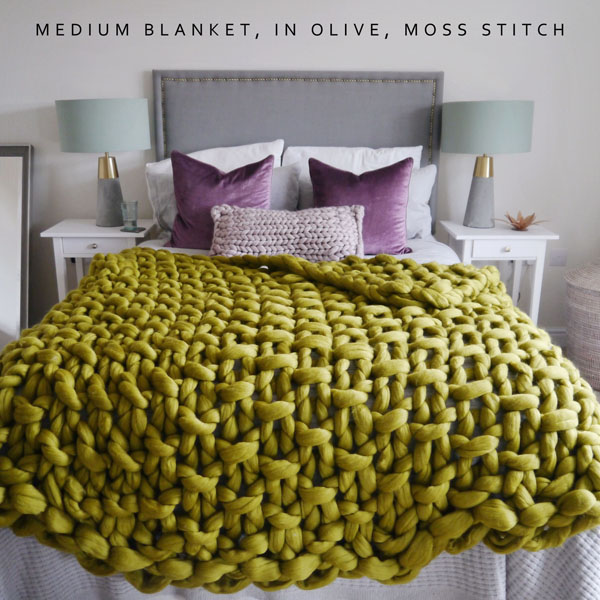 Chunky knit blanket in green