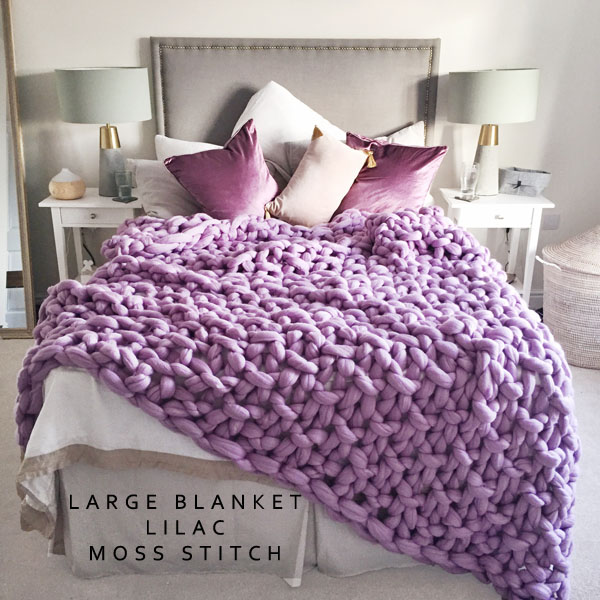 Chunky knit blanket in lilac purple