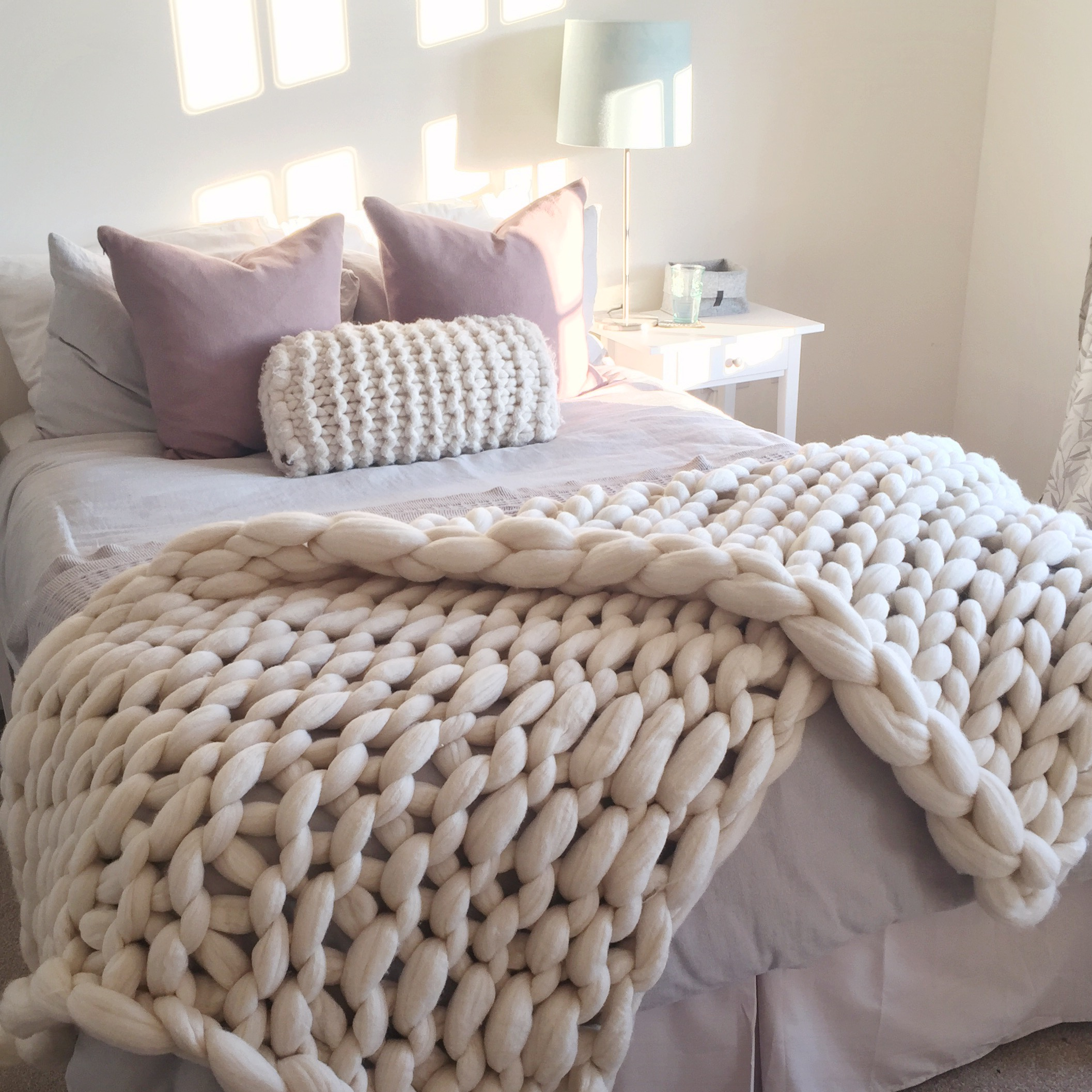 Chunky Knit blanket in white