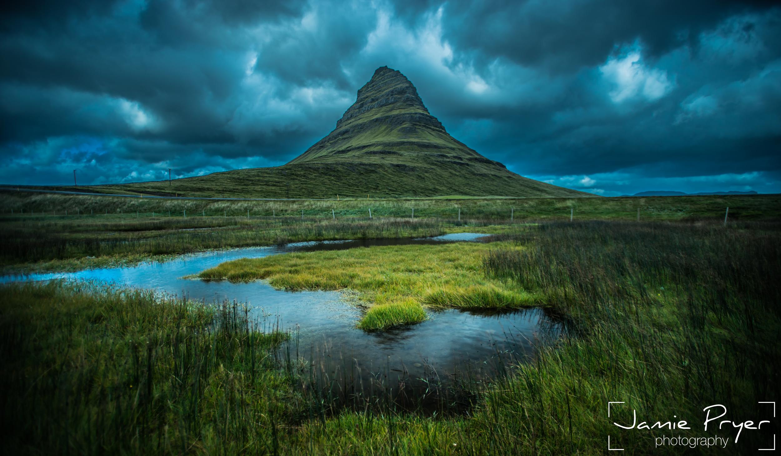 Kirkjufell Iceland-2.jpg