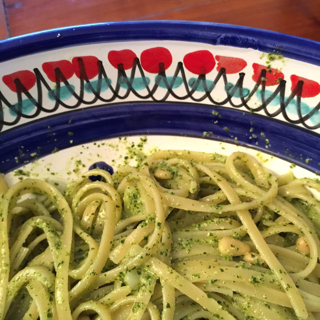 Linguine con Pesto alla Genonvese