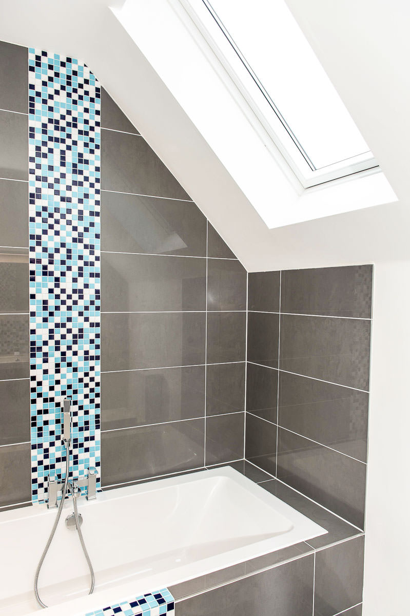 Modern House Build Bathroom by JDW Building and Conservation.jpg