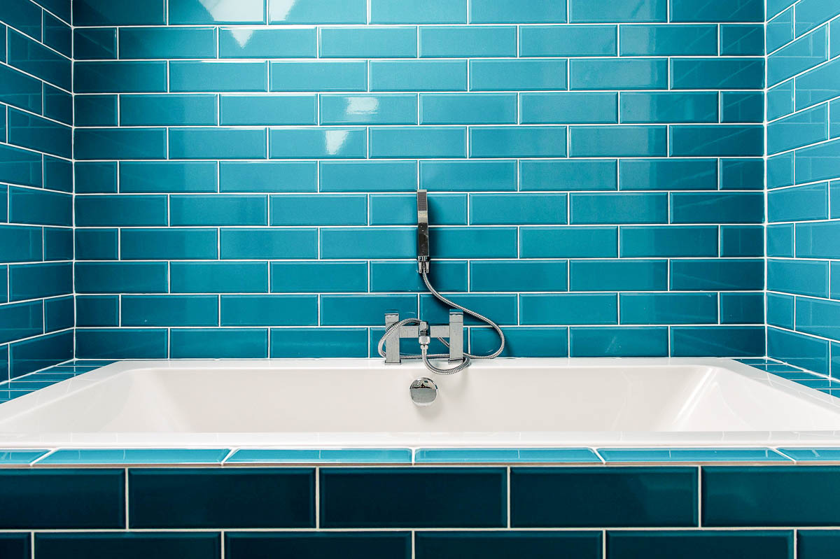 Modern House Build interior bathroon by JDW Building and conservation40.jpg