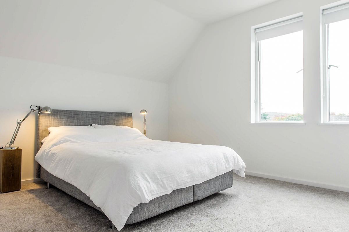 Modern House Build interior bedroom by JDW Building and conservation.jpg