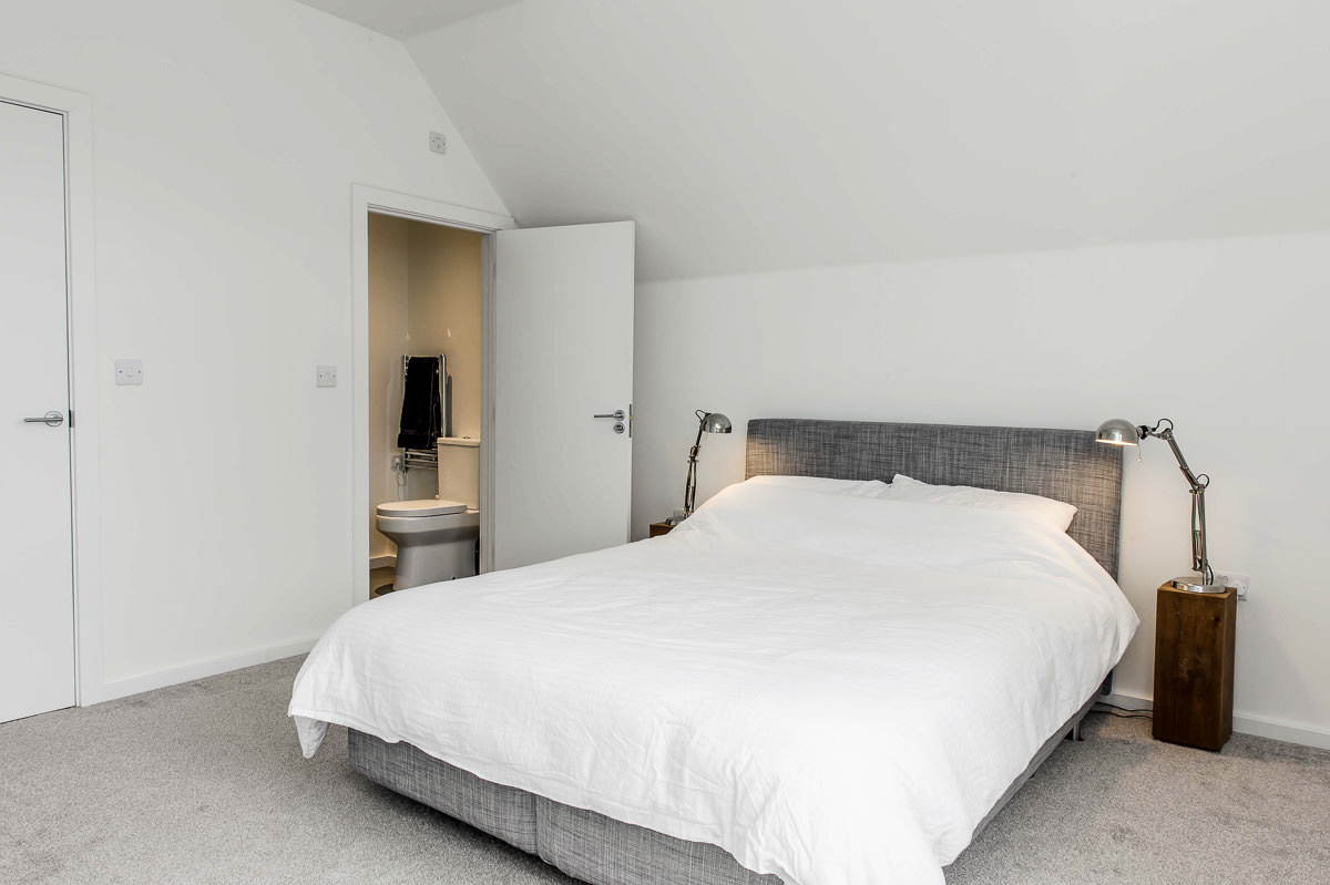 Modern House Build interior bedroom by JDW Building and conservation40.jpg