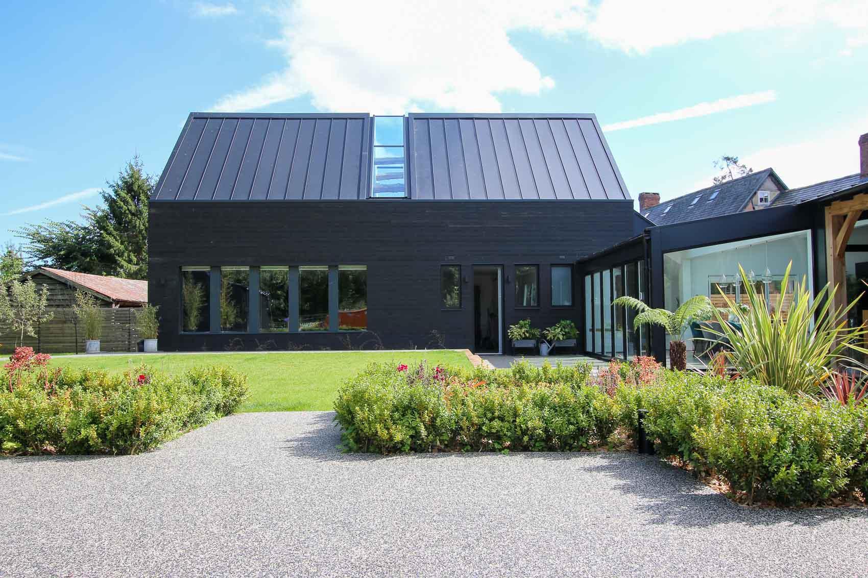 JDW Contemporary Building External LNB Web-4827.jpg