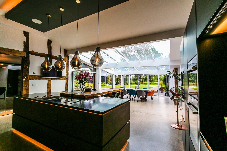 JDW+Contemporary+Building+Internal+Web-5280.jpg