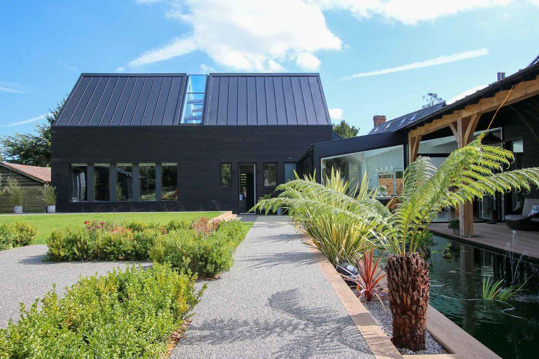 JDW+Contemporary+Building+External+LNB+Web-4824.jpg