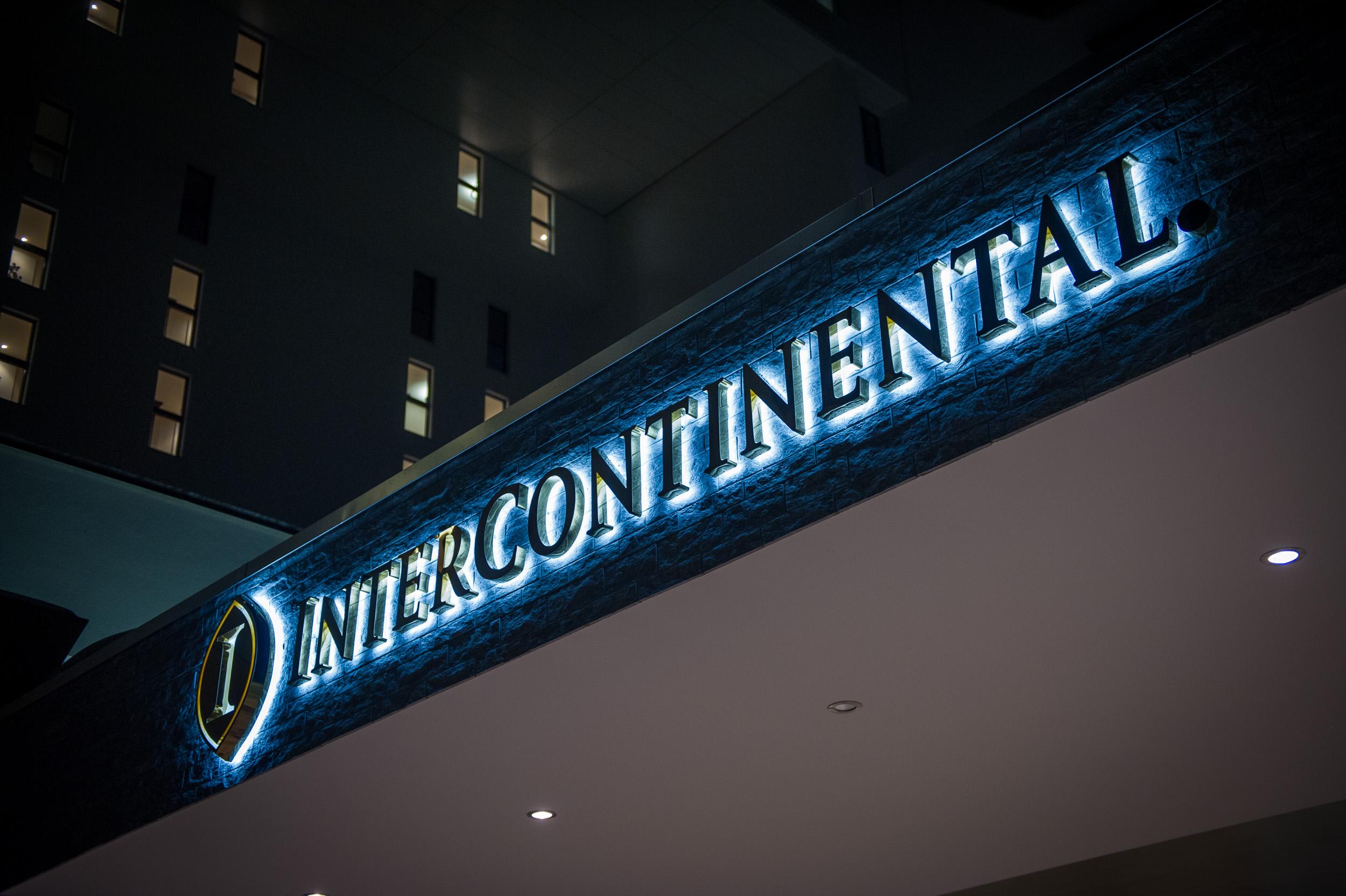 uppergrade-event-shop-opening-angerer-sport-intercontinental-davos01.jpg