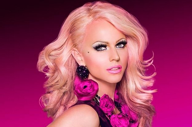 21-reasons-why-courtney-act-is-the-drag-queen-of--2-28708-1441886661-3_dblbig.jpg