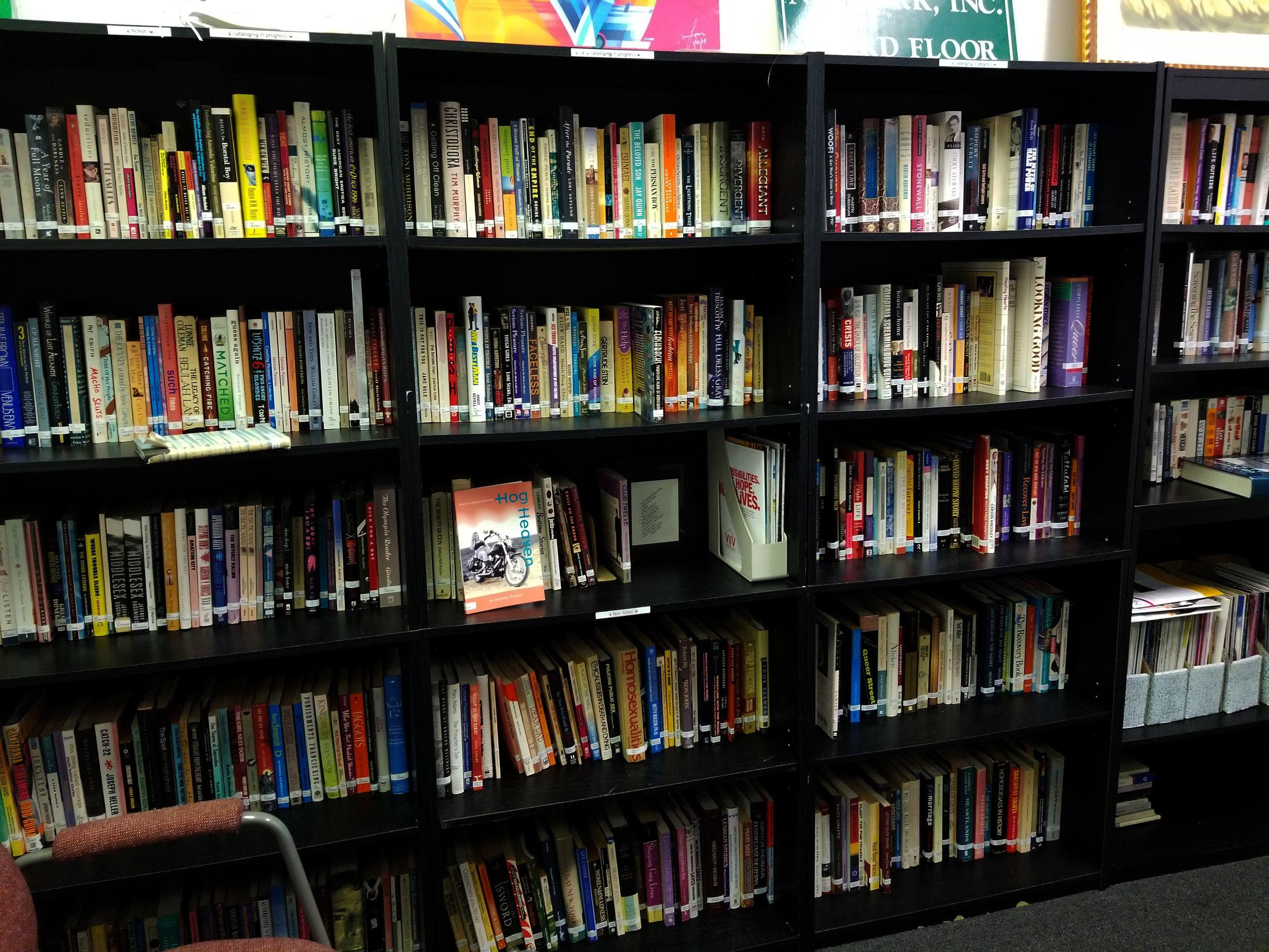 savannah-lgbtcenter-library-01.jpg