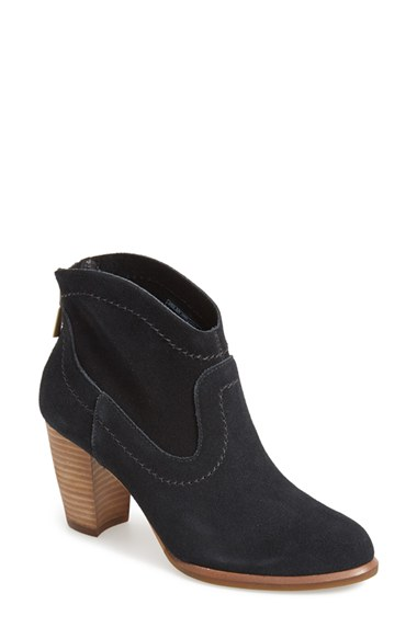 Similar: Westen Style Ankle Boot available  HERE.