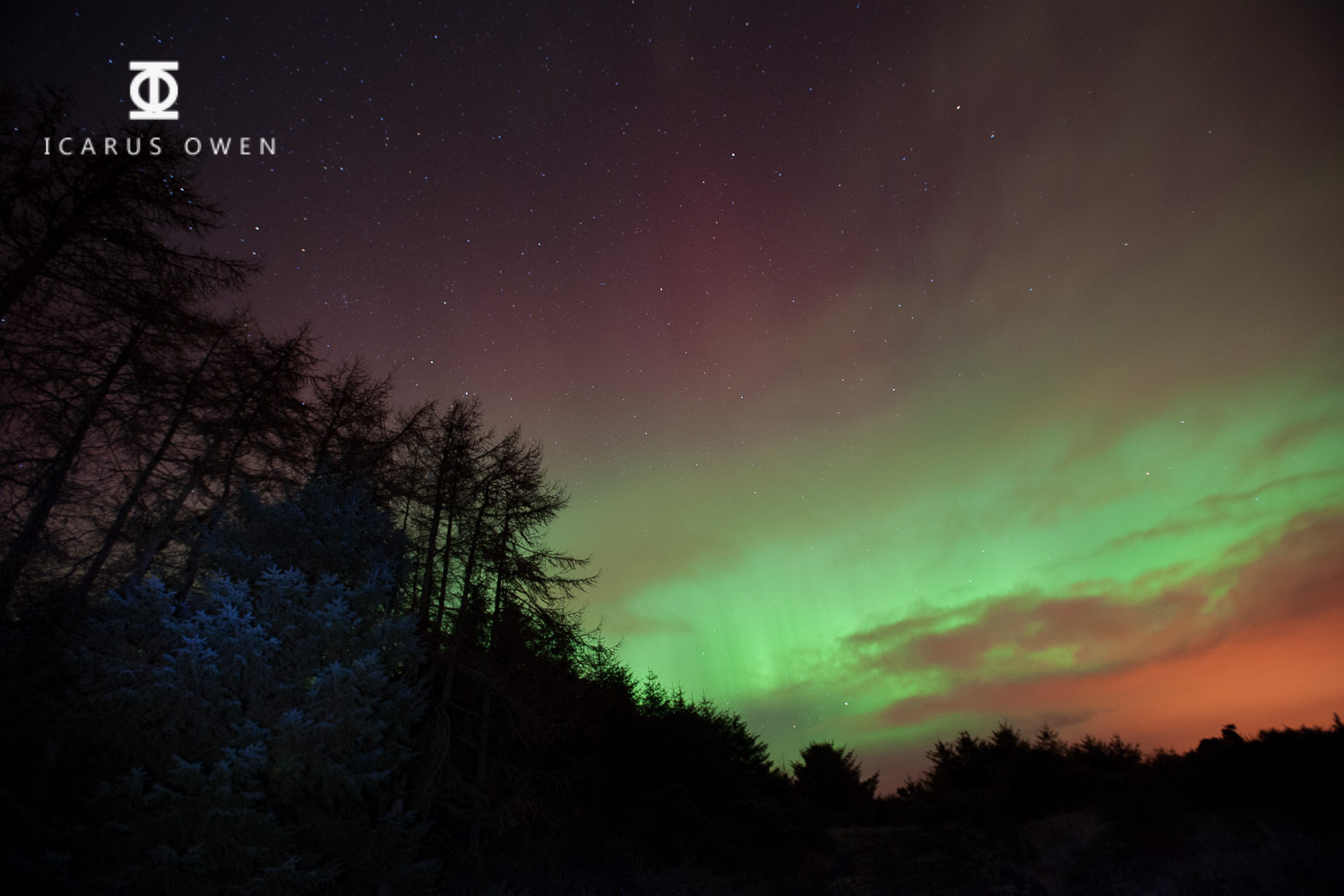 Aurora borealis - 2.8, 10 secs, ISO 1250 - with a little light painting using a torch.