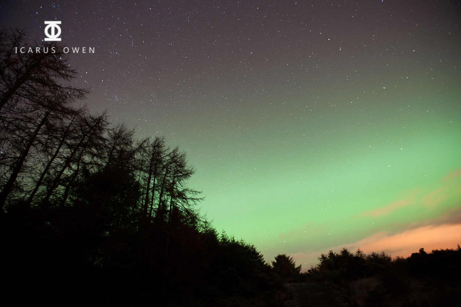 Image of aurora borealis - f2.8, 30 secs, ISO 1250 - note the lack of detail in the aurora due to the long shutter speed