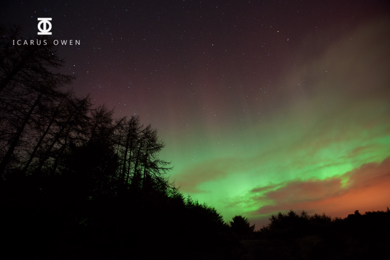 Photograph of aurora borealis in Aberdeenshire taken bi Icarus Owen