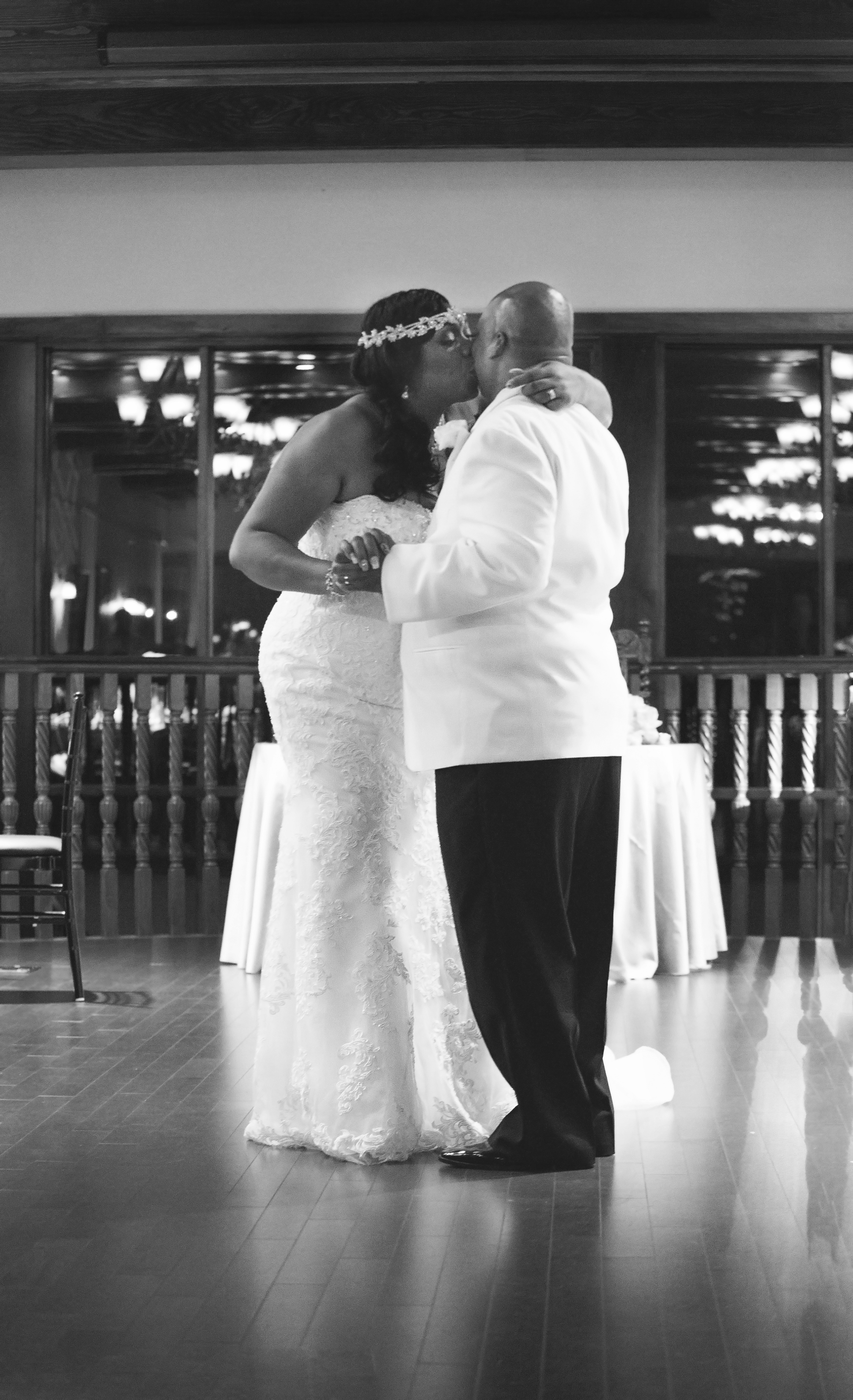 chamber-photography-wedding-tavares-pavilion-on-the-lake-18.jpeg