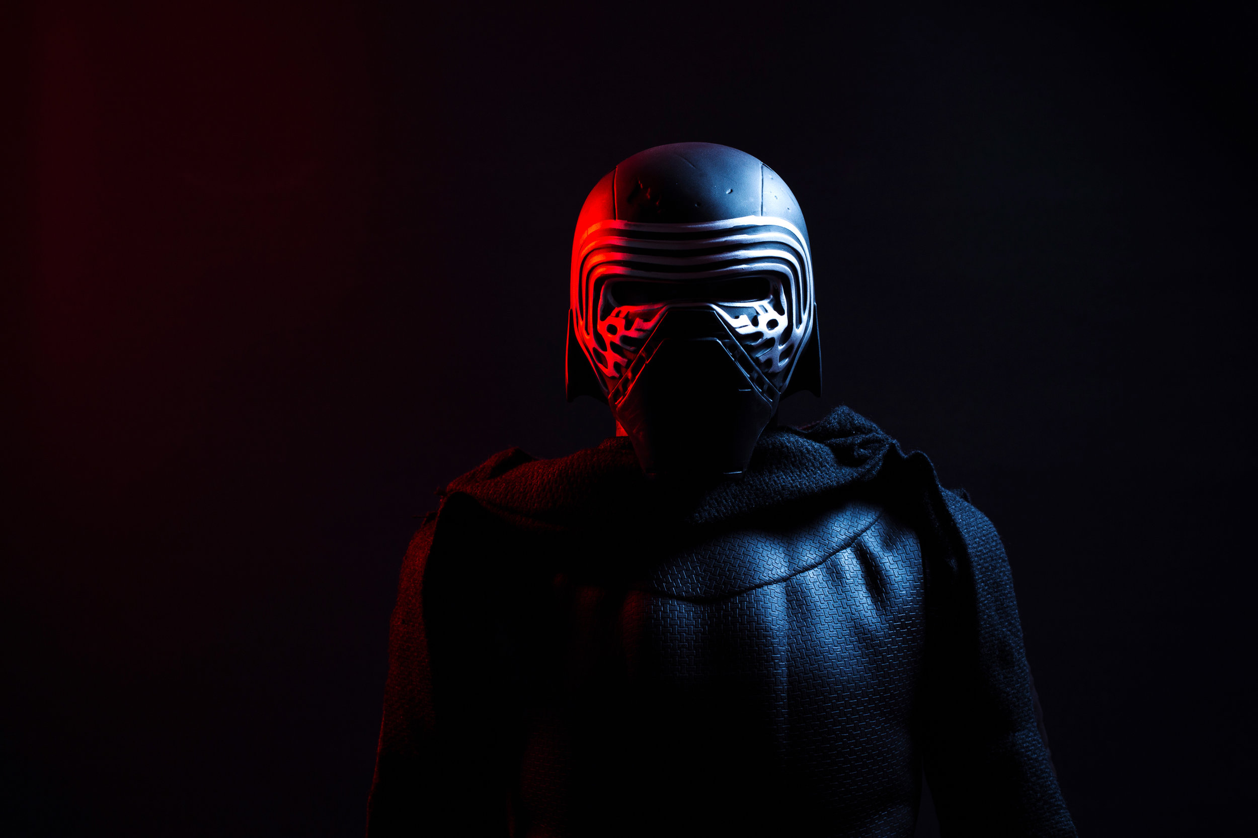 kylo-ren-photography-tips-dramatic-chamber-photography.jpg
