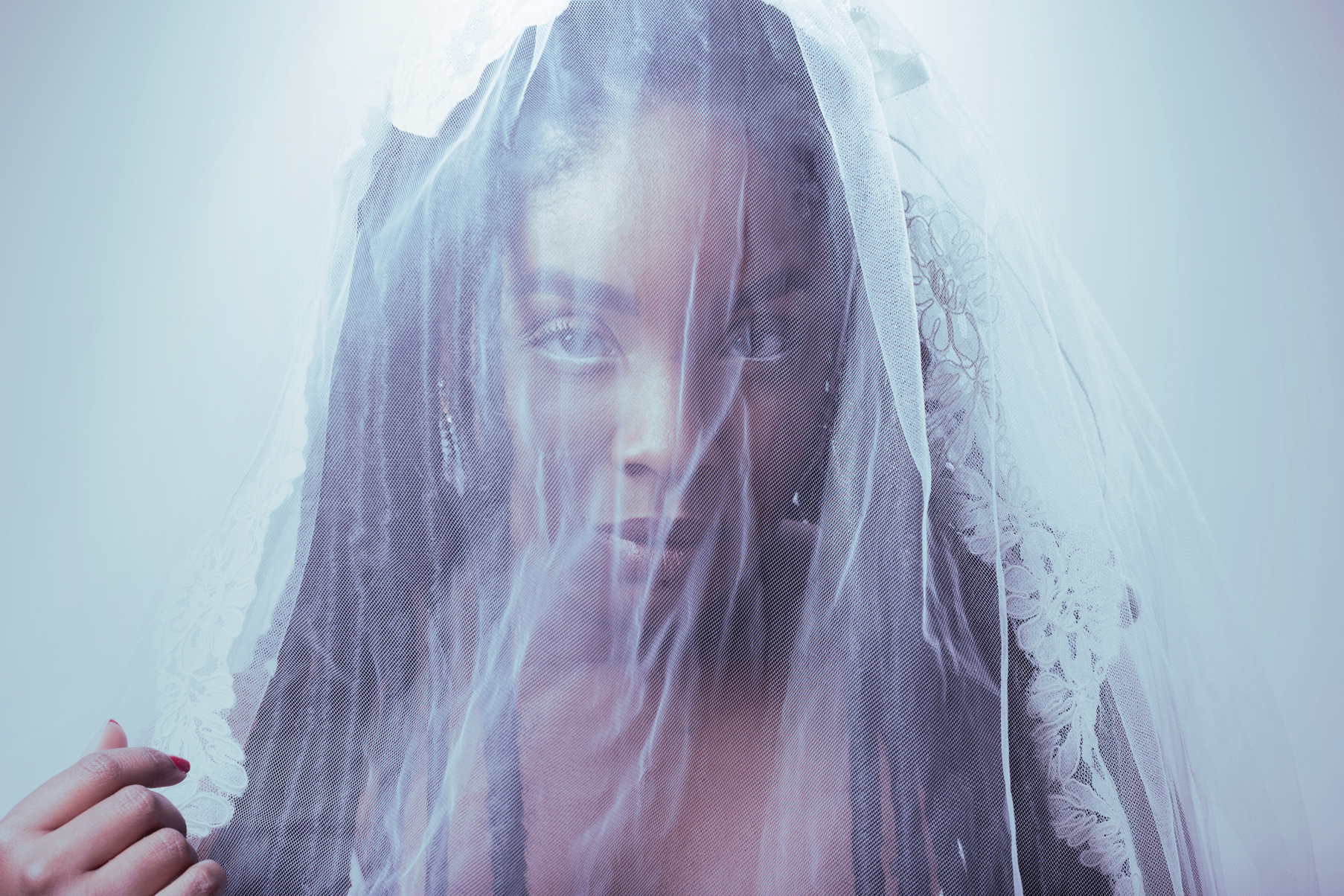 veil-chamber-photography-photo-shoot-antoine-hart.jpg