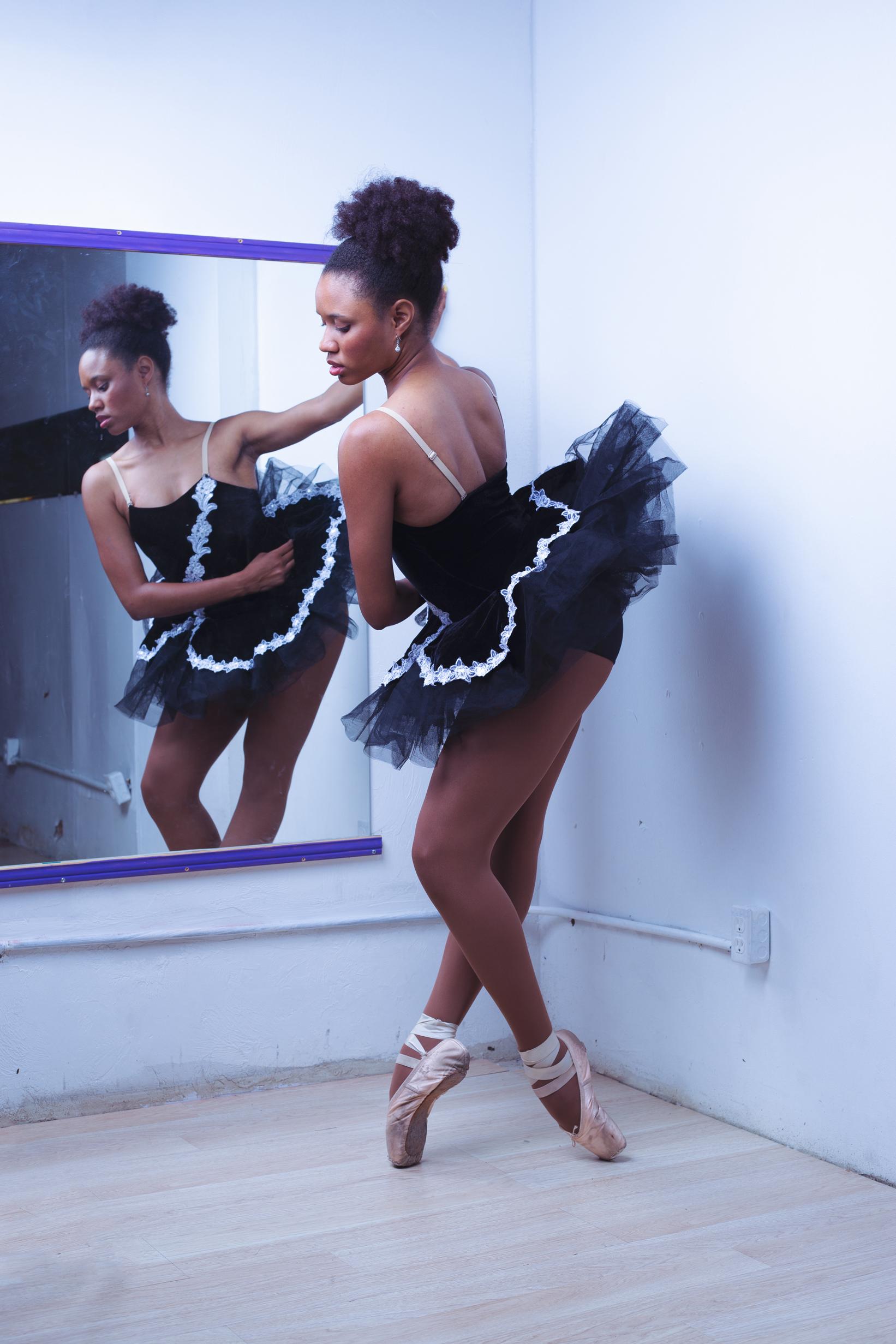ballet-dancer-chamber-photographer-antoine-hart-tutu-4.jpg