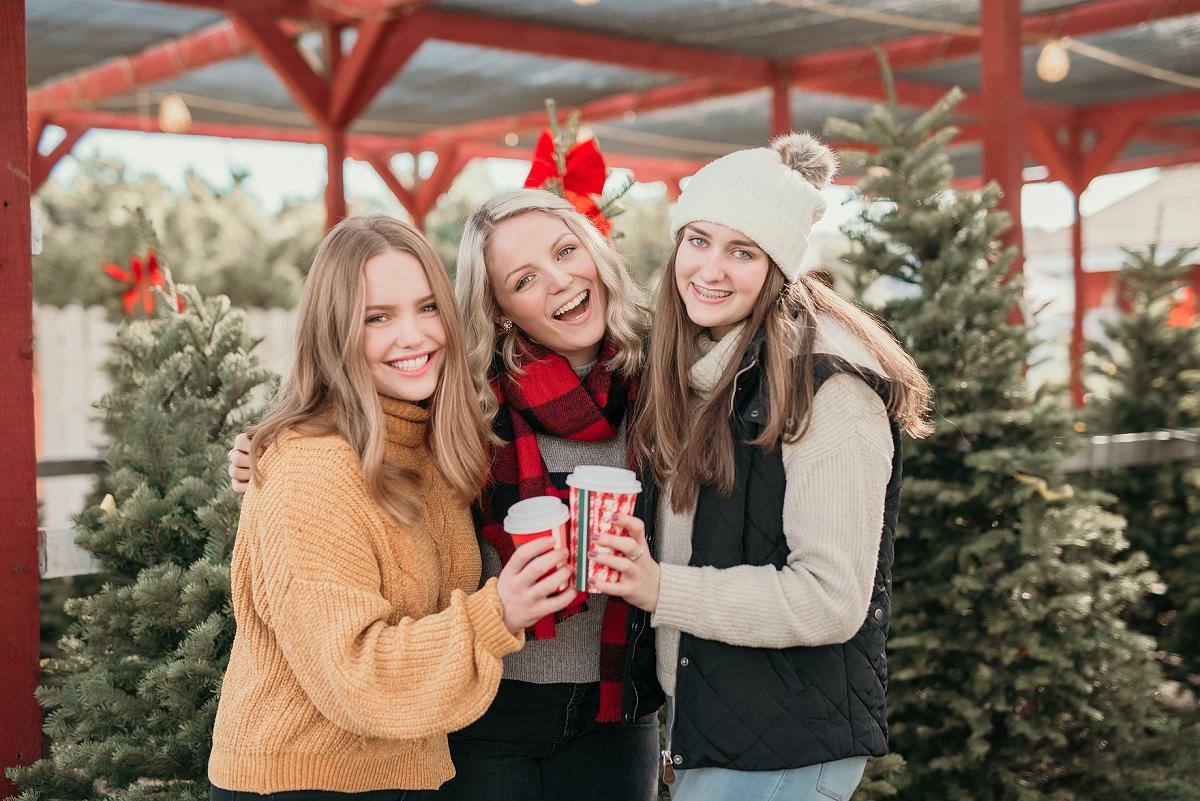 Christmas Tree Mini Shoot-17.jpg