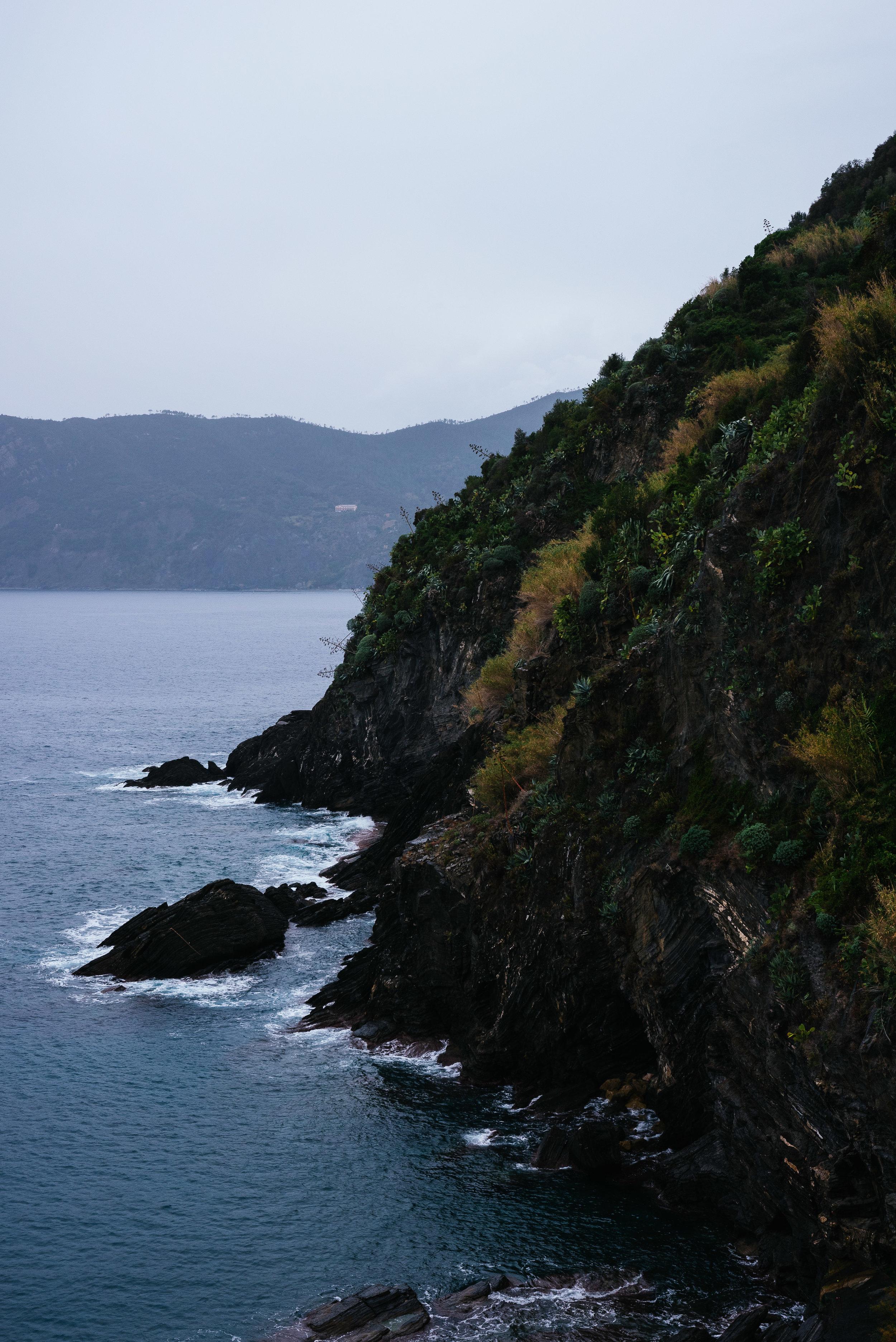 Vernazza Seaside Cliff.jpg