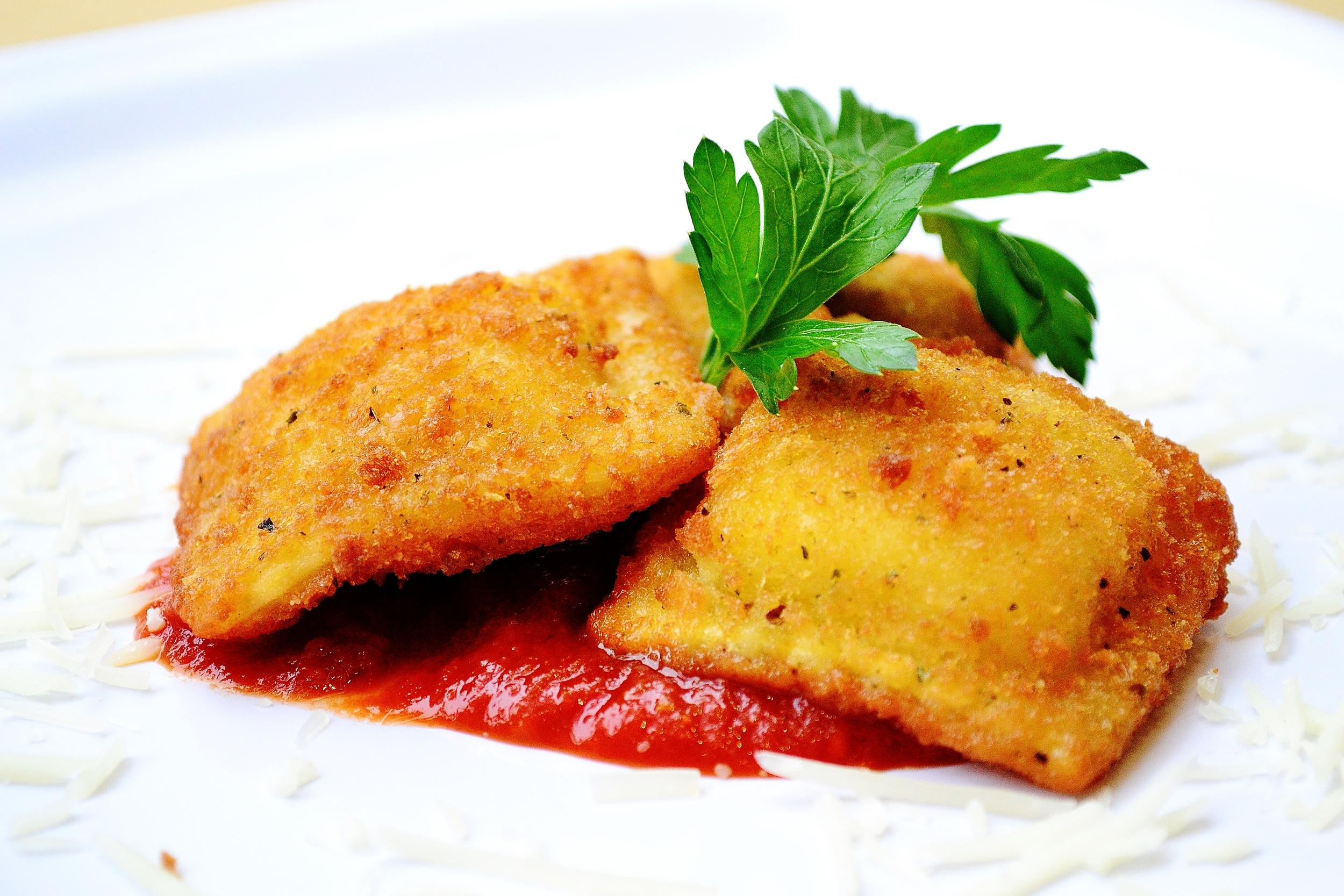 Catering-FriedRavioli (1).JPG