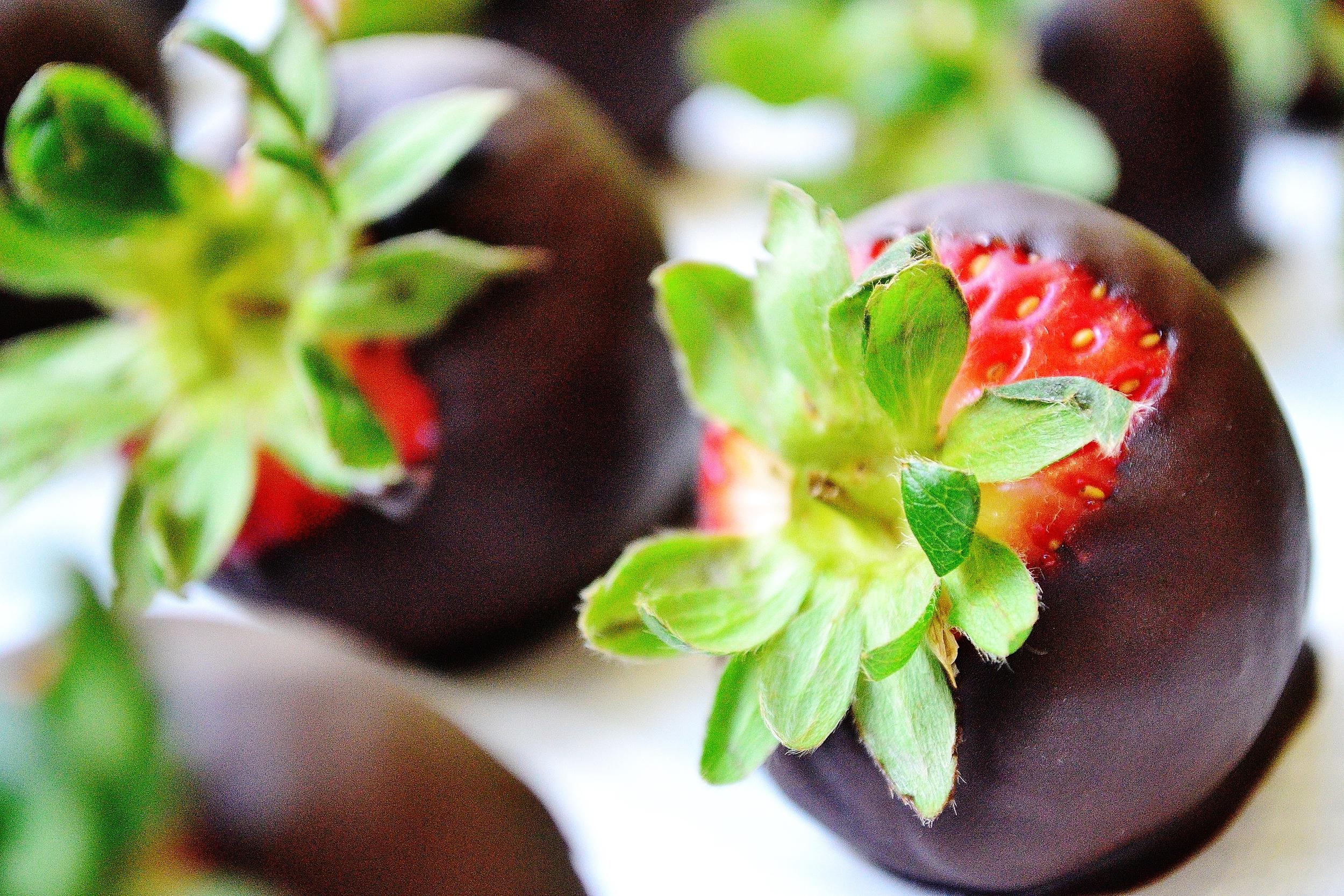 ChocolateDipStrawberry1.JPG