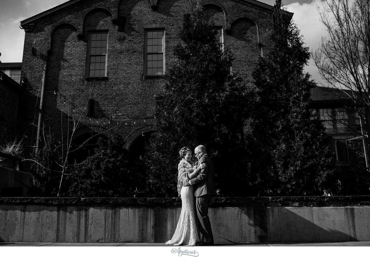 Coradetti_Glass_Spring_Wedding_11.JPG