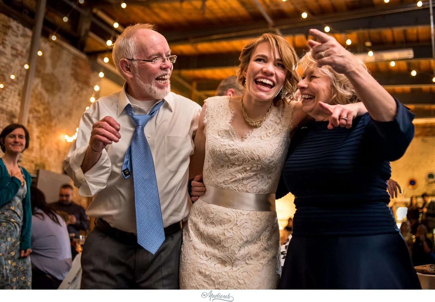 Coradetti_Glass_Spring_Wedding_35.JPG