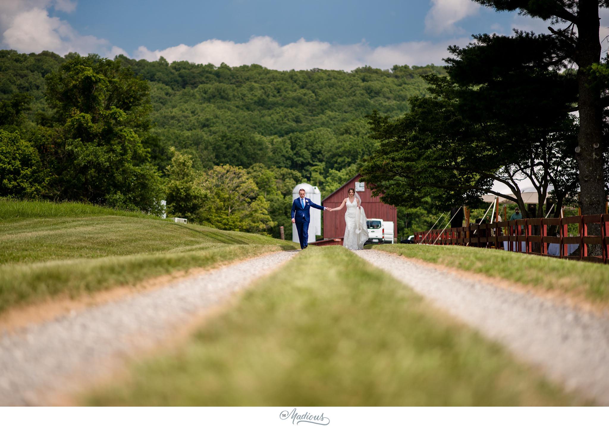 Virginia_Farm_Wedding_18.JPG