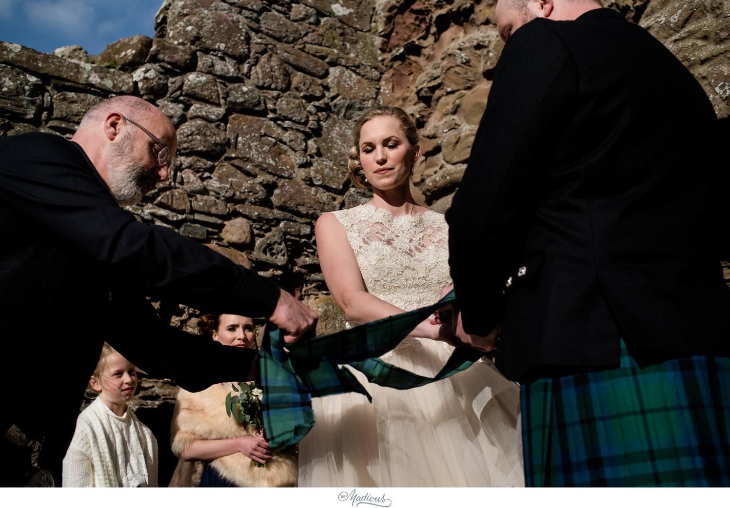 Balbegno_Dunnotar_Castle_Scottland_Wedding_36.jpg