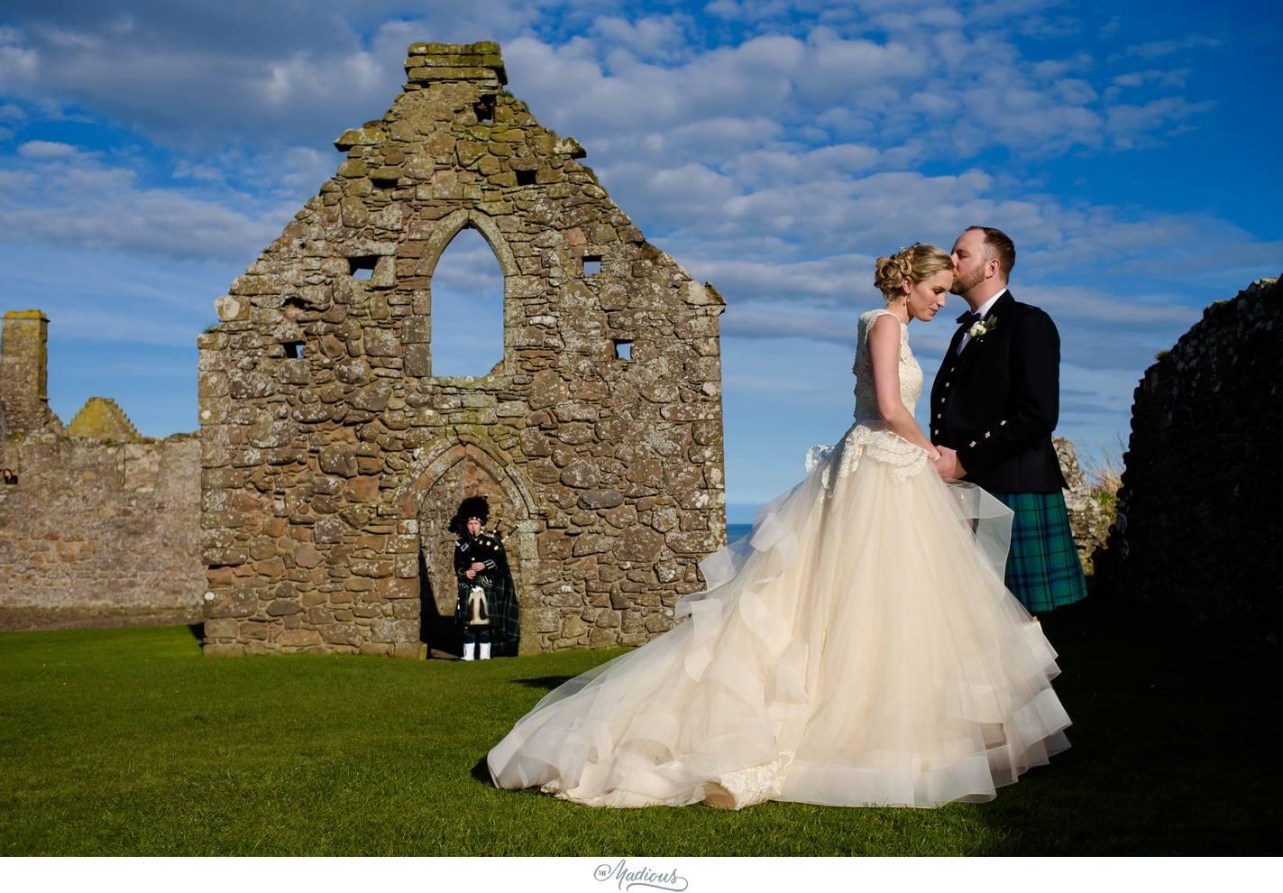 Balbegno_Dunnotar_Castle_Scottland_Wedding_42.jpg