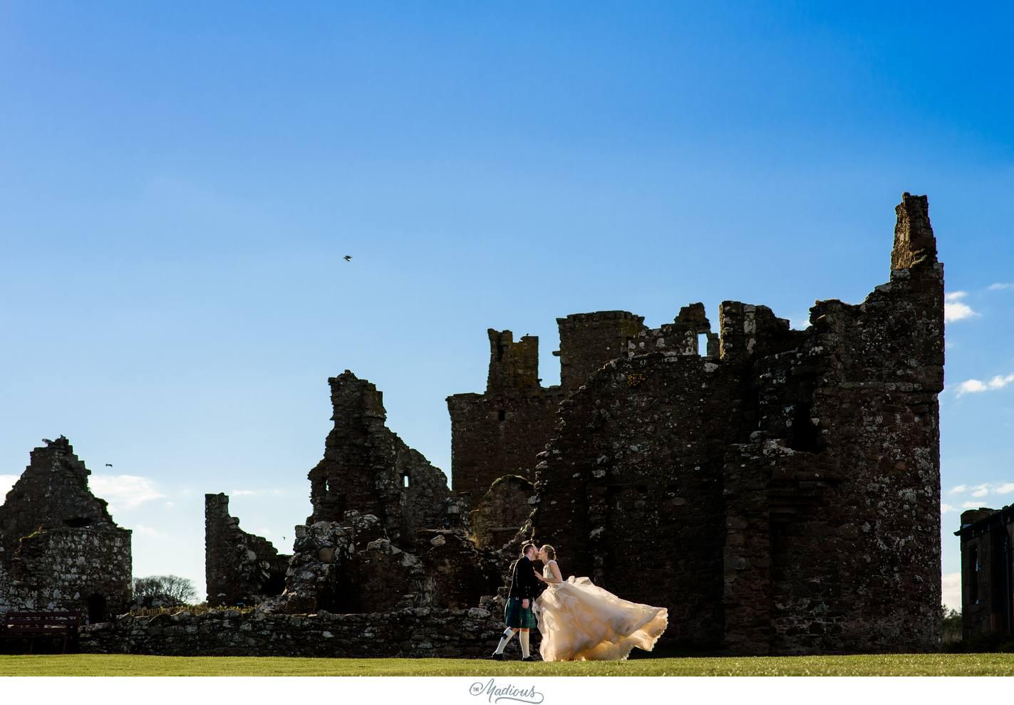 Balbegno_Dunnotar_Castle_Scottland_Wedding_45.jpg
