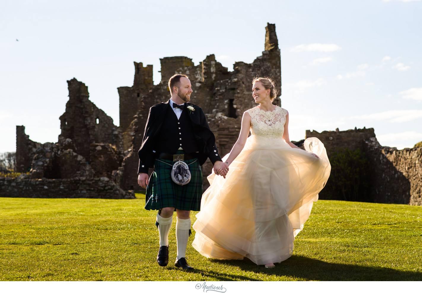 Balbegno_Dunnotar_Castle_Scottland_Wedding_46.jpg