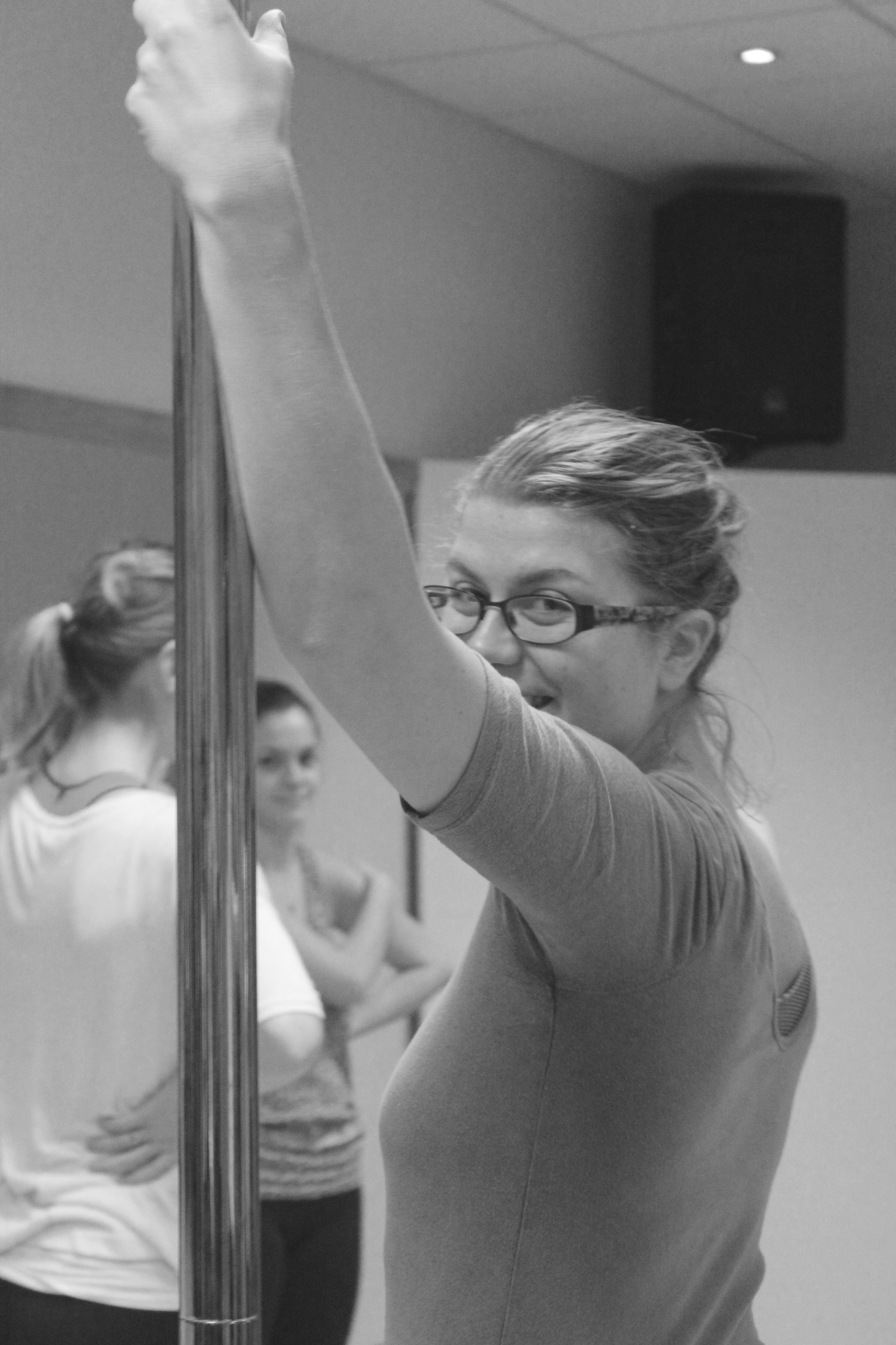 Pole dancing lessons for begginers