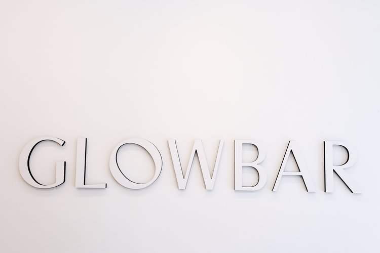 The Sunday Issue It's Time for Your Glow(Up) Bar
