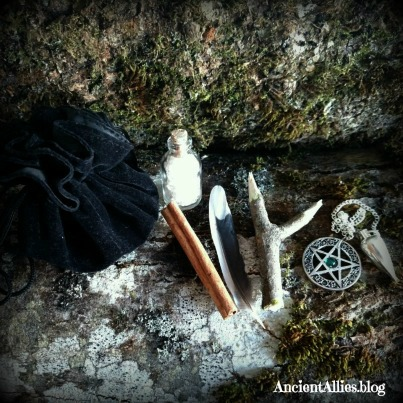 TRAVEL ALTARS