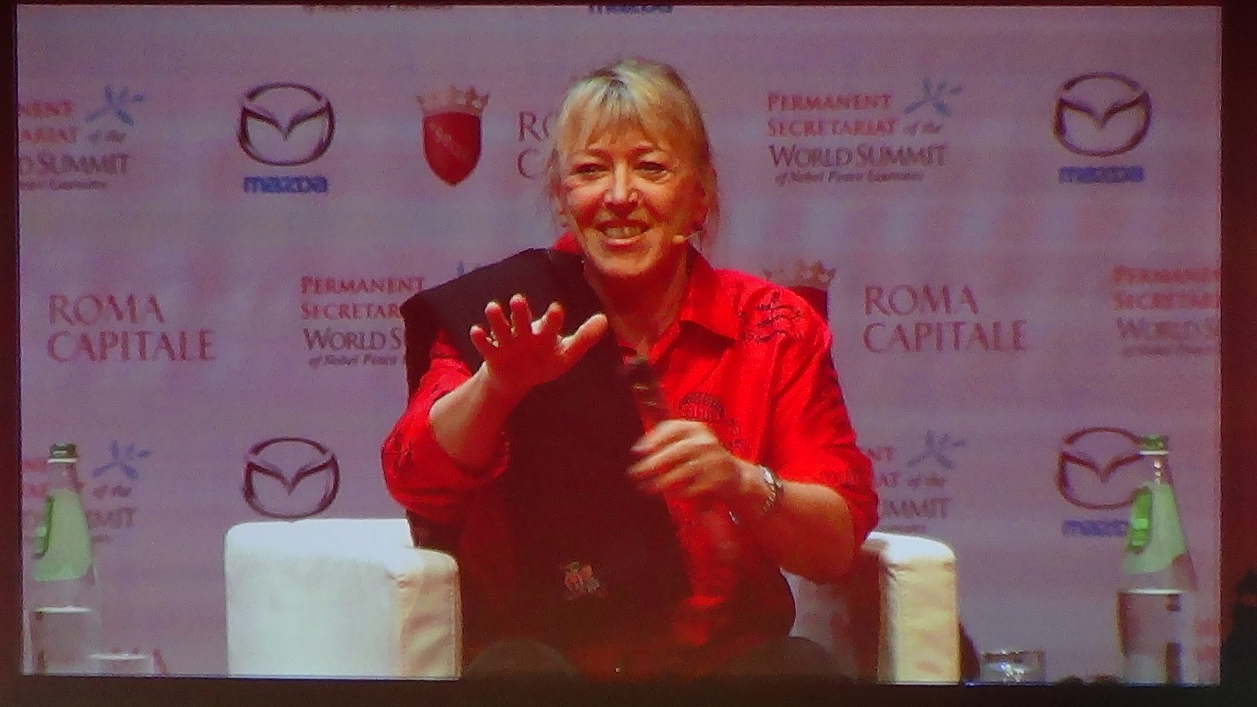 JODY WILLIAMS, 1997 U.S. NOBEL LAUREATE, INTL CAMPAIGN TO BAN LANDMINES.JPG