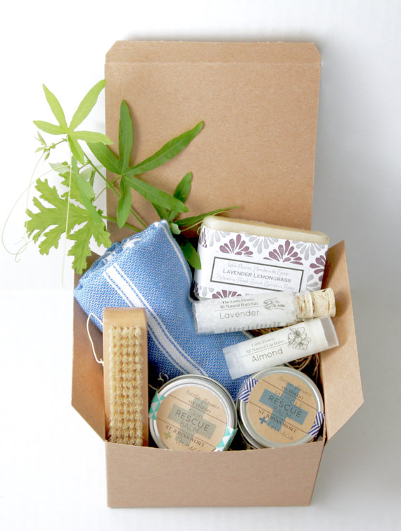 Home Spa Day Gift Set including Spa Towel & Nail Brush $32    How about this kit with a turkish hand towel and nail brush, makes a great gift for the mom who loves to garden or appreciates natural handmade home goods.