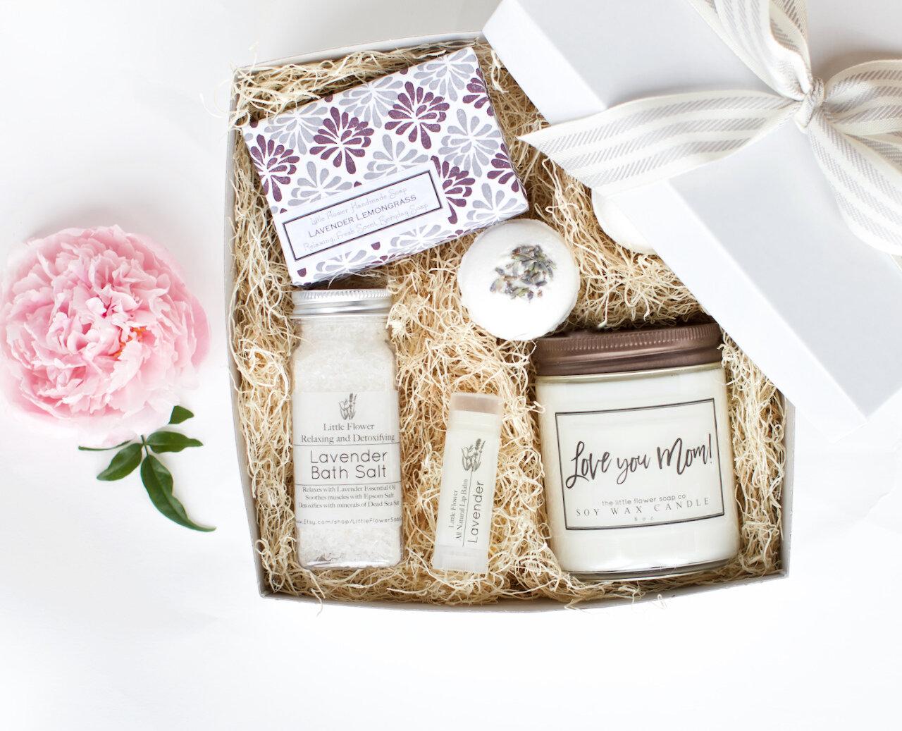 Luxury Lavender Gift Box Handmade Aromatherapy Lavender Spa Gift Basket For Women