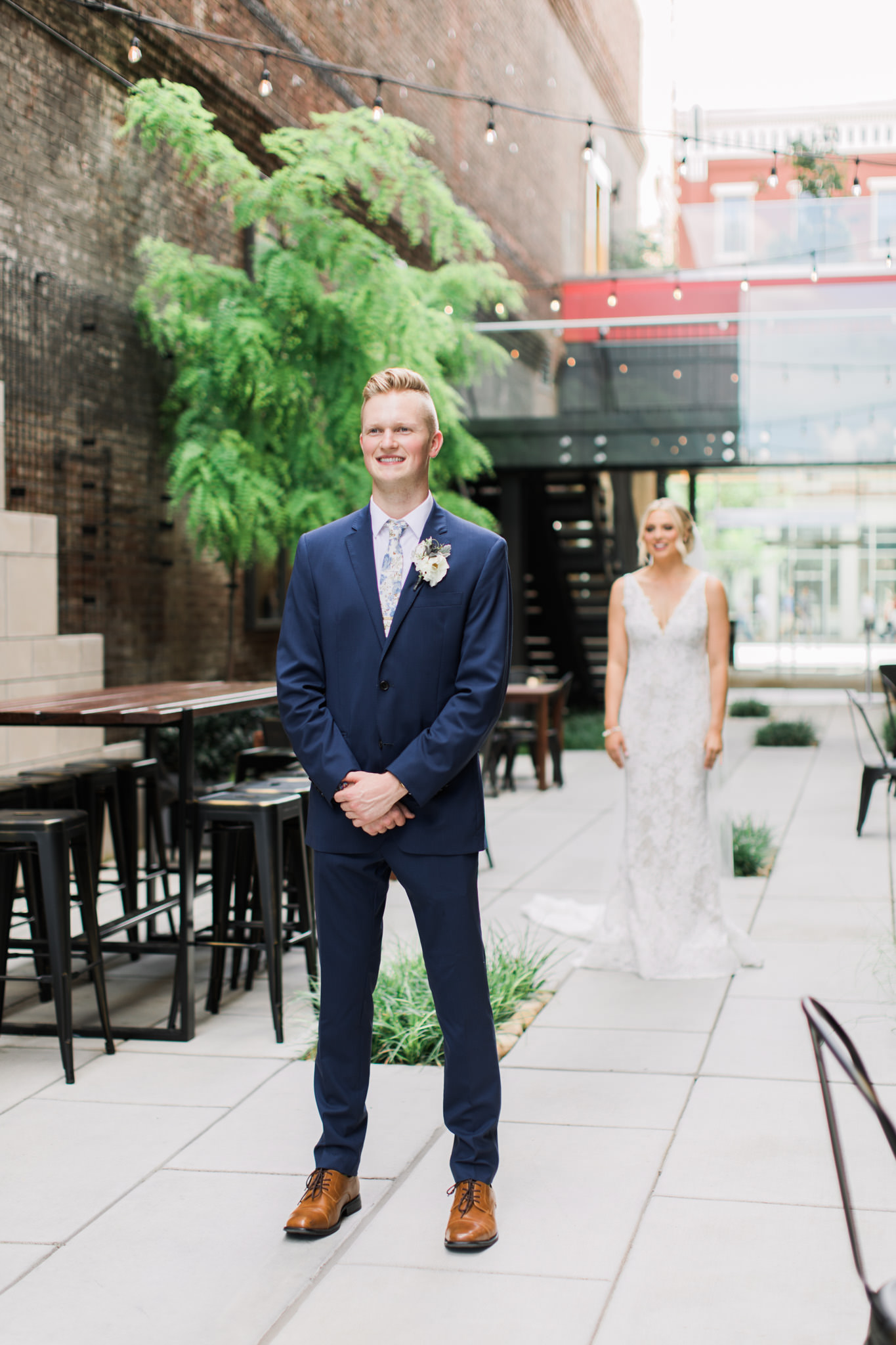 Joey & Taylore Frazier Museum Wedding Peek-4.jpg