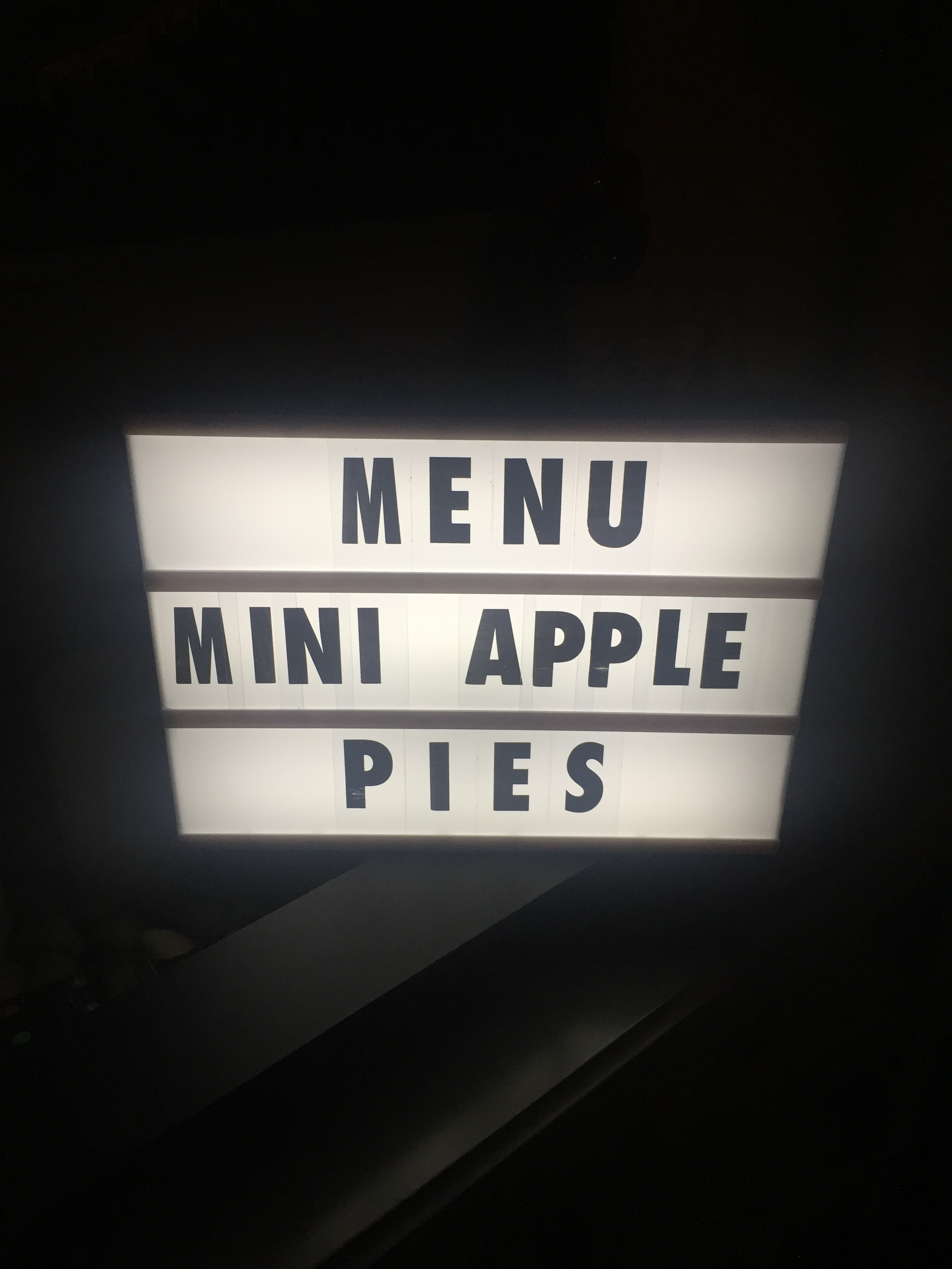 81MiniApplePies1.JPG