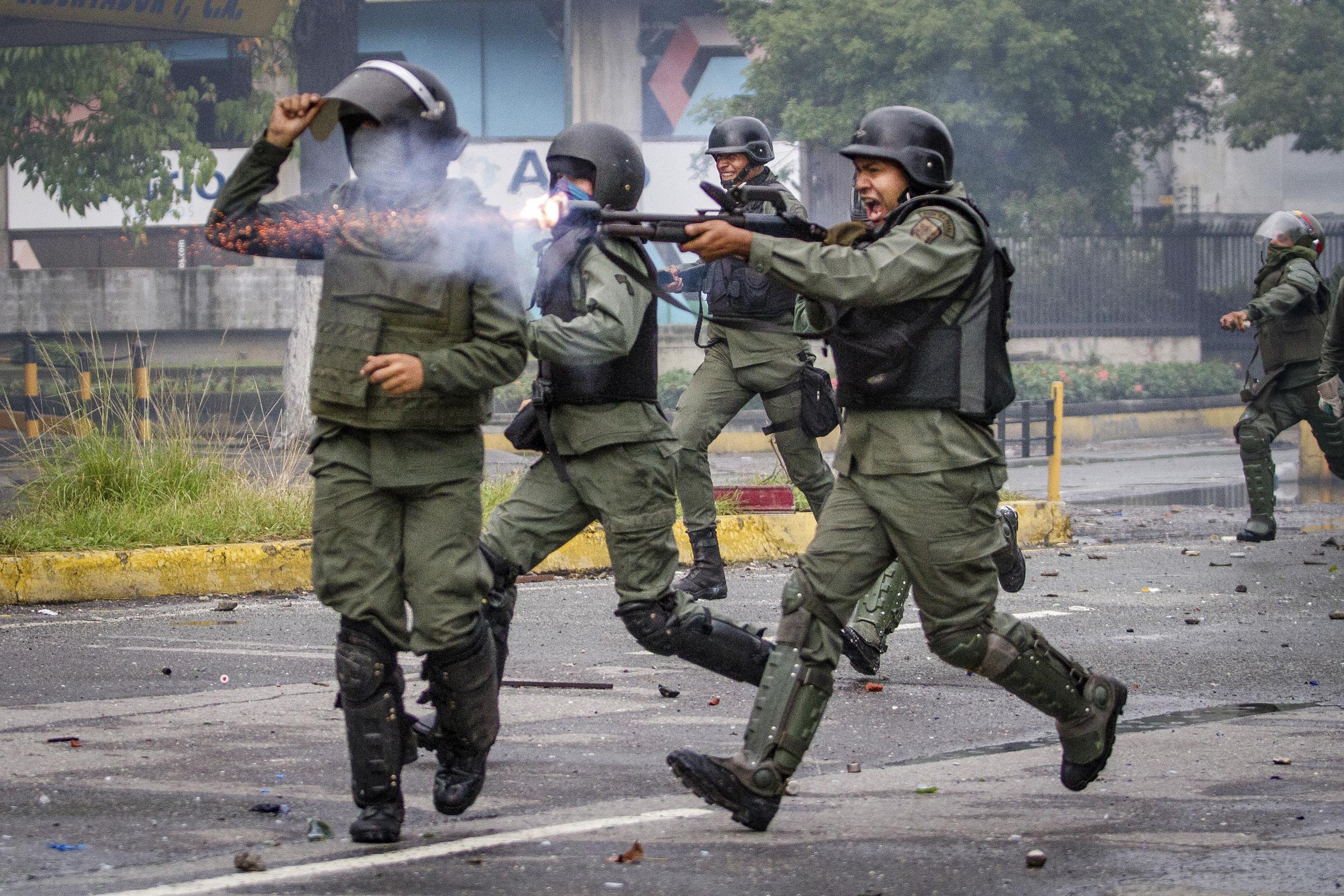Caracas Caos - Leo Alvarez (4).jpg