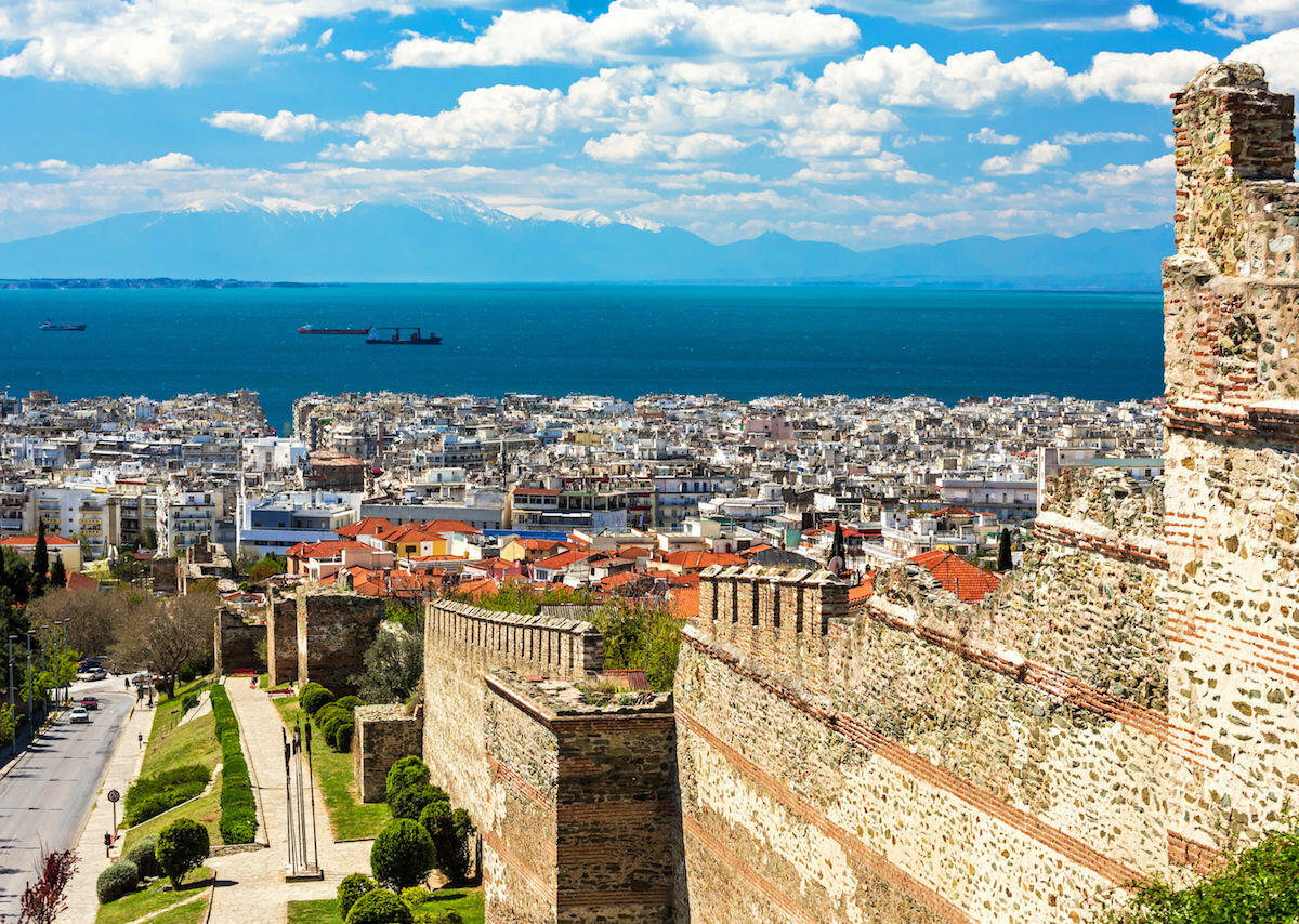 Panoramic-View-of-Thessaloniki-Greece-and-its-Byzantine-Wall-Ruins-1200x854.jpg