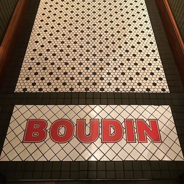 "Boudin Sourdough is SF oldest running business, since 1849. It's a great option to grab a delicious and ""bready"" bite before our beer tours through the Fisherman's Wharf. . . . . . #instagood #photooftheday #beer #sanfrancisco #craftbeer #sf #bayarea #beerporn #instabeer #picoftheday #fun #brewery #415 #SanfranciscoBay #OnlyInSF #sfblogger #ILoveSF #sflife #sflove #SanFranciscoBayArea #sfstreetart #SFBound #sfbeer #sfbeerweek #sflocal"